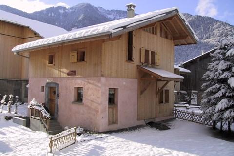self catered ski chalets skiing holidays peak retreats