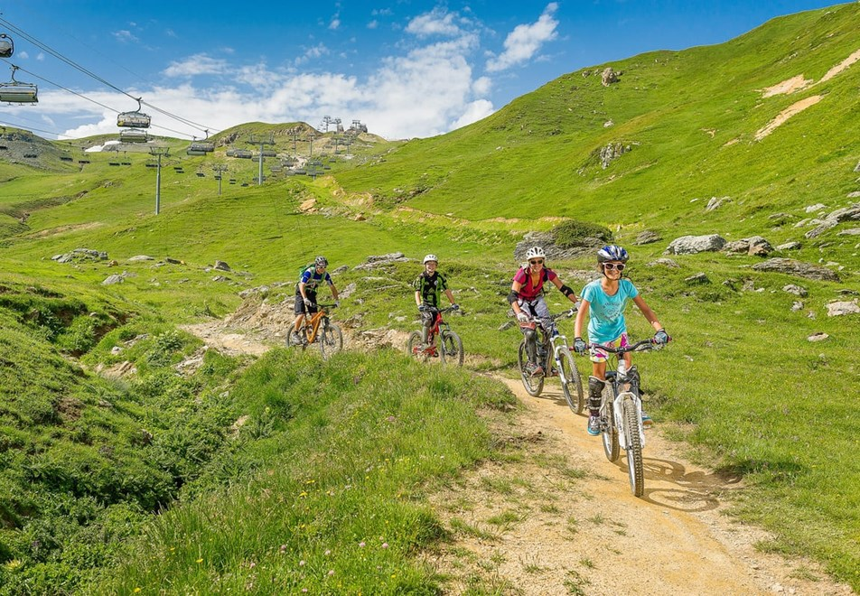 Les Arcs Resort. - Cycling