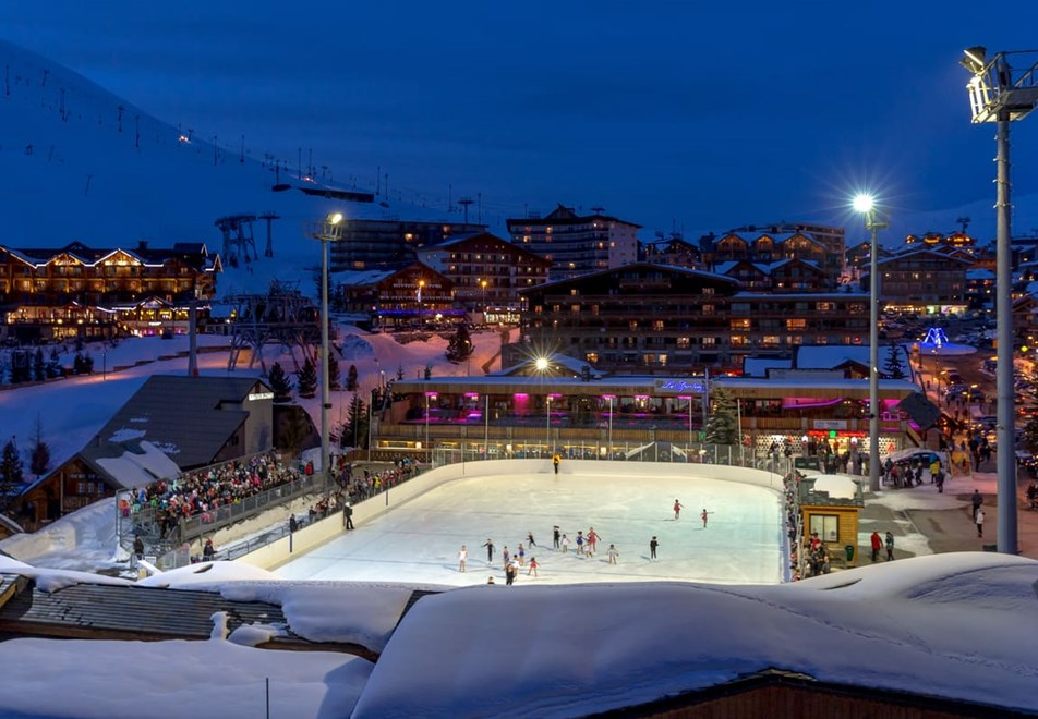 Alpe d'Huez Ski Resort (©Laurent-Salino) - Ice rink