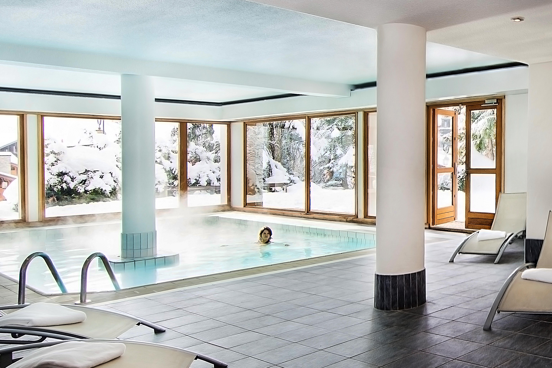 Hotel Alpen Roc La Clusaz Ski Accommodation