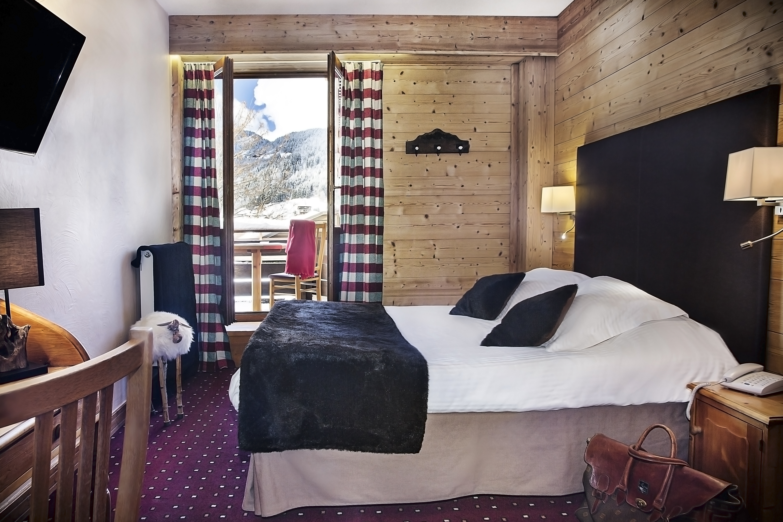 hotel beauregard la clusaz ski accommodation peak retreats. Black Bedroom Furniture Sets. Home Design Ideas