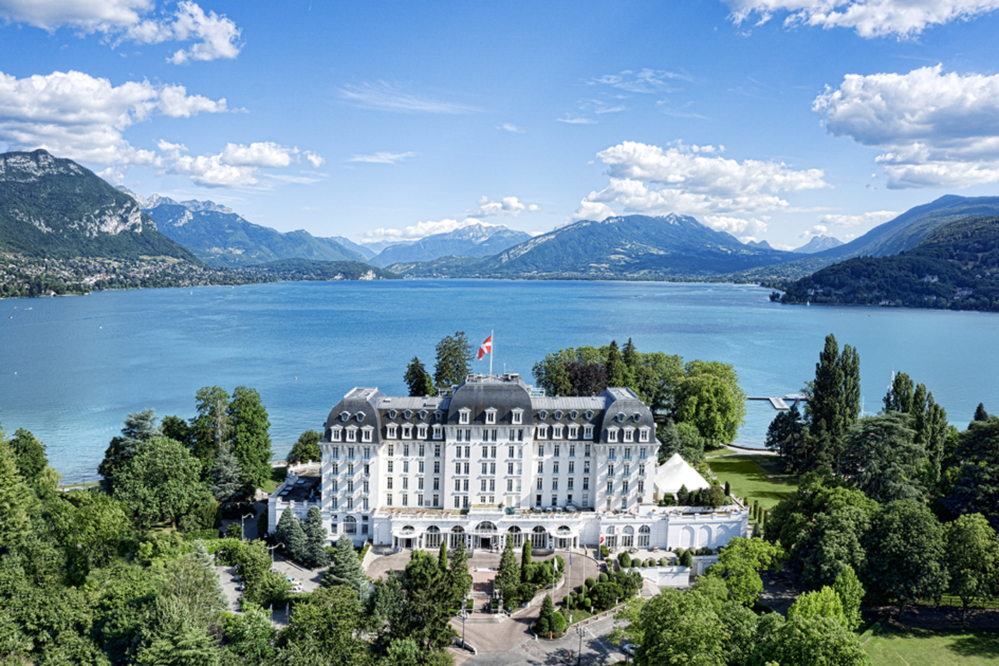 Imperial Palace, Annecy (B&B hotel) - Exceptional setting on Lake Annecy