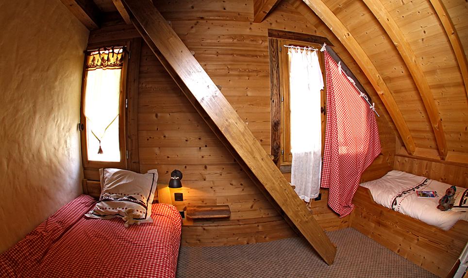 le grenier vaujany ski apartments peak retreats. Black Bedroom Furniture Sets. Home Design Ideas