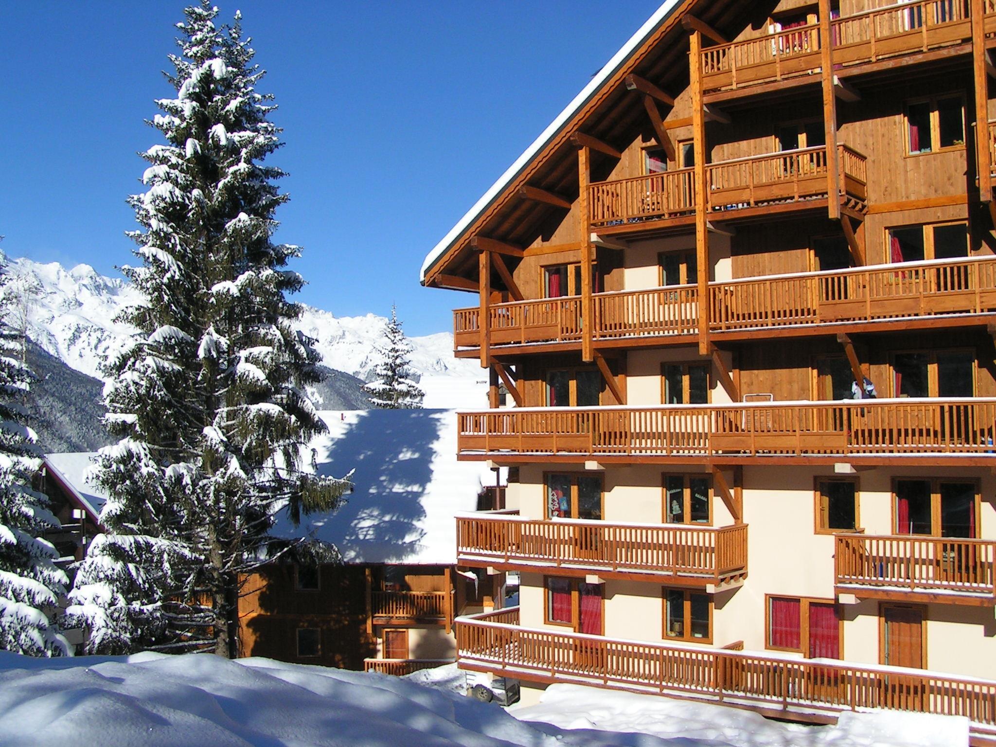 chalet des neiges oz en oisans ski apartments peak retreats
