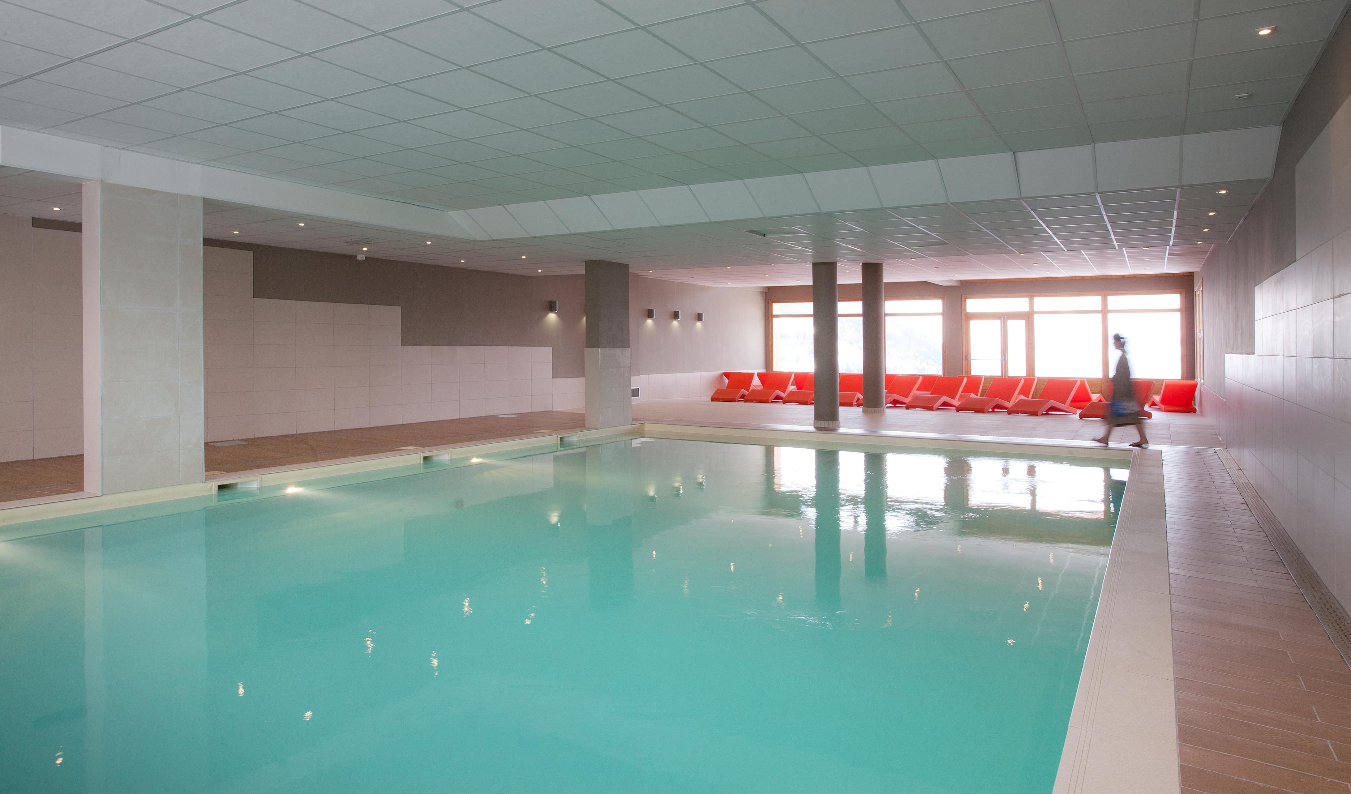 Etoile des cimes sainte foy ski apartments peak retreats for Club piscine fitness st jerome