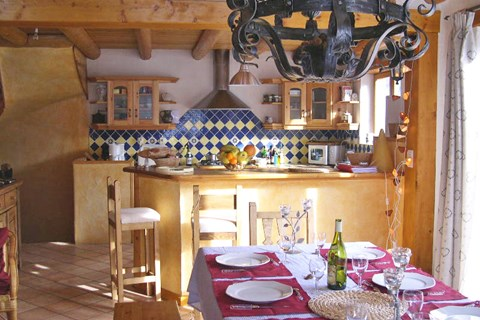 Le Grand Bec (Champagny) Kitchen/Diner