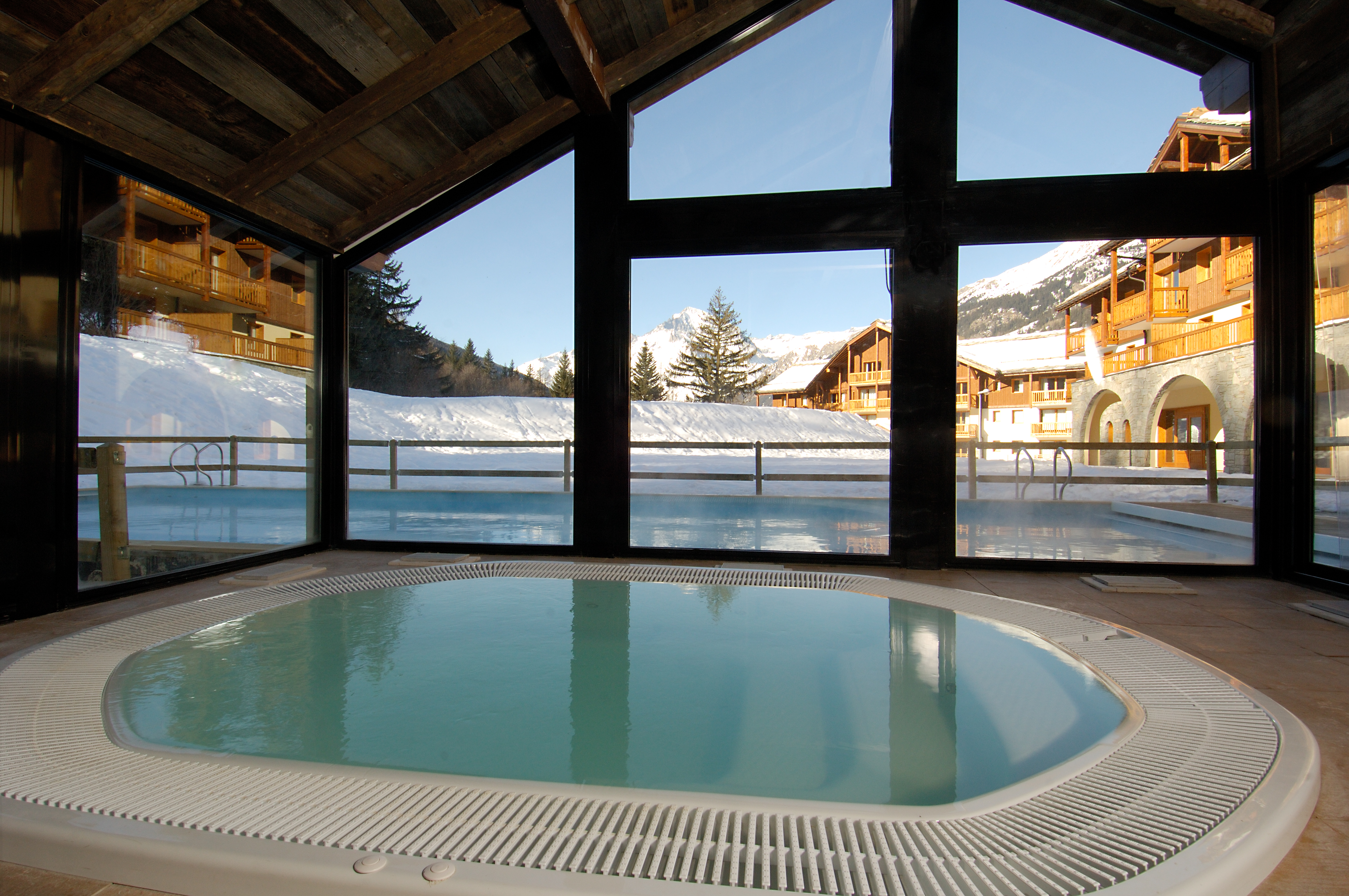 Les Alpages de Val Cenis (Val Cenis) Jacuzzi and Outdoor Pool