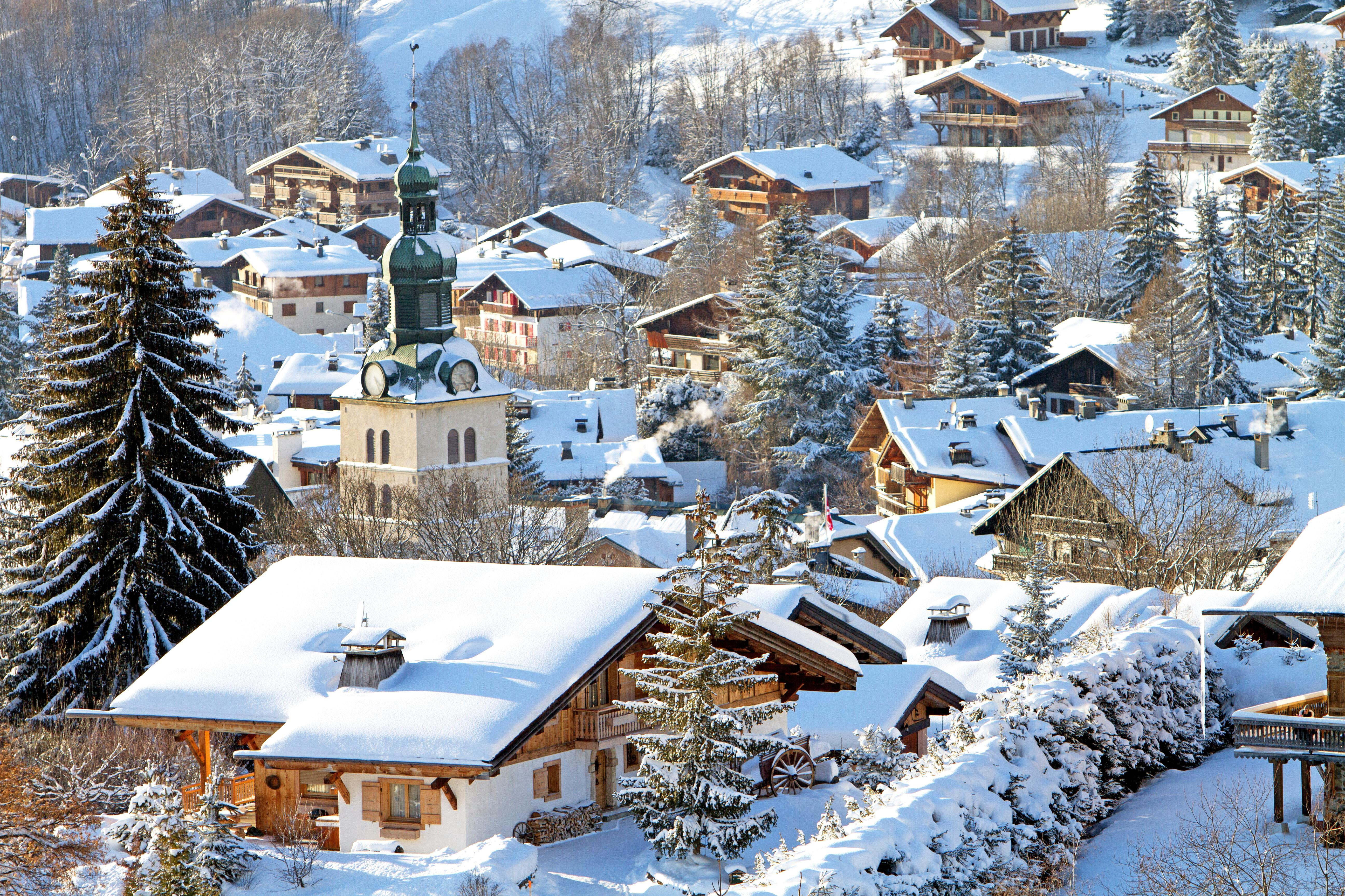 Megeve skiing holidays ski apartments peak retreats for Lodges in france