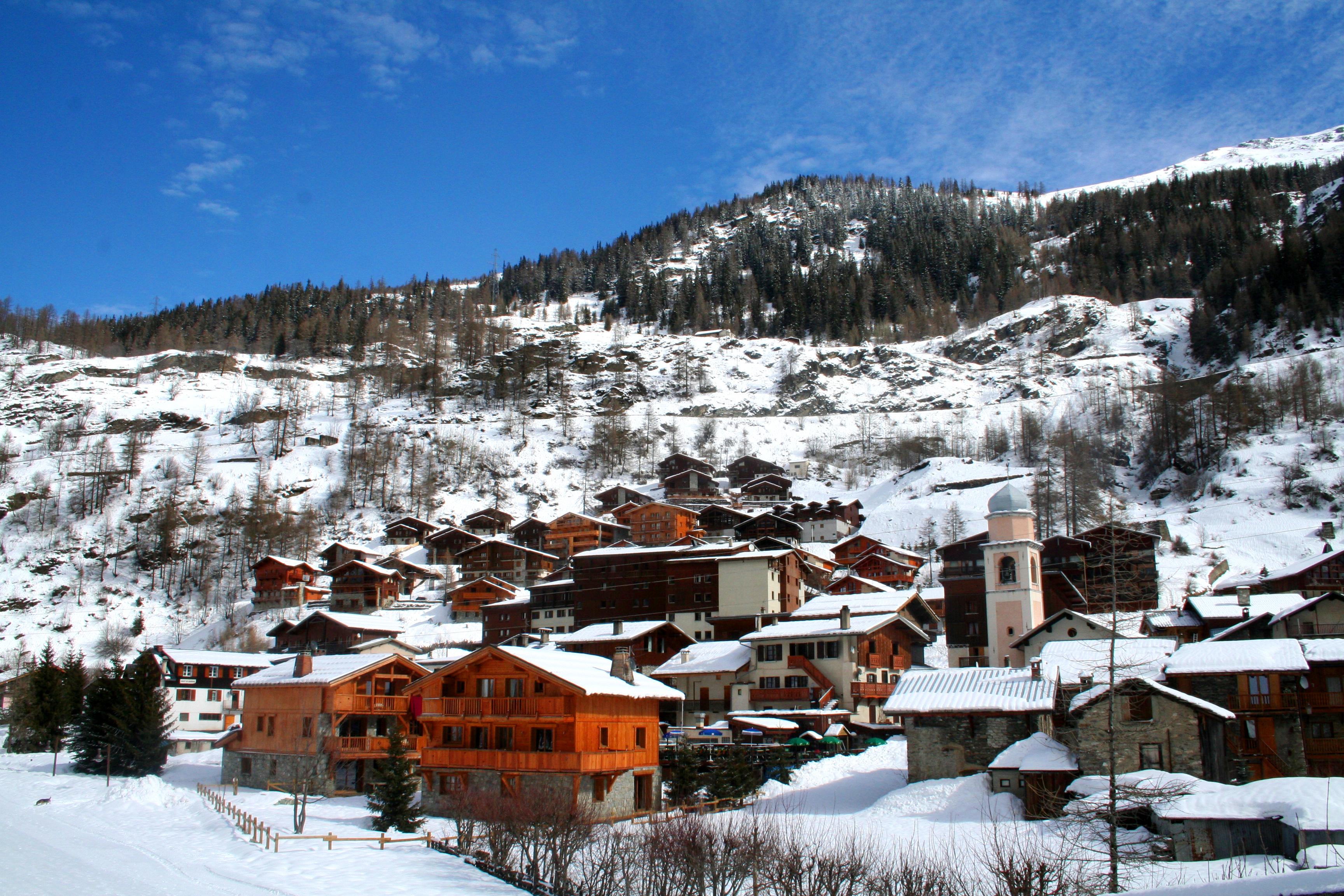tignes les brevieres apartments peak retreats skiing holidays