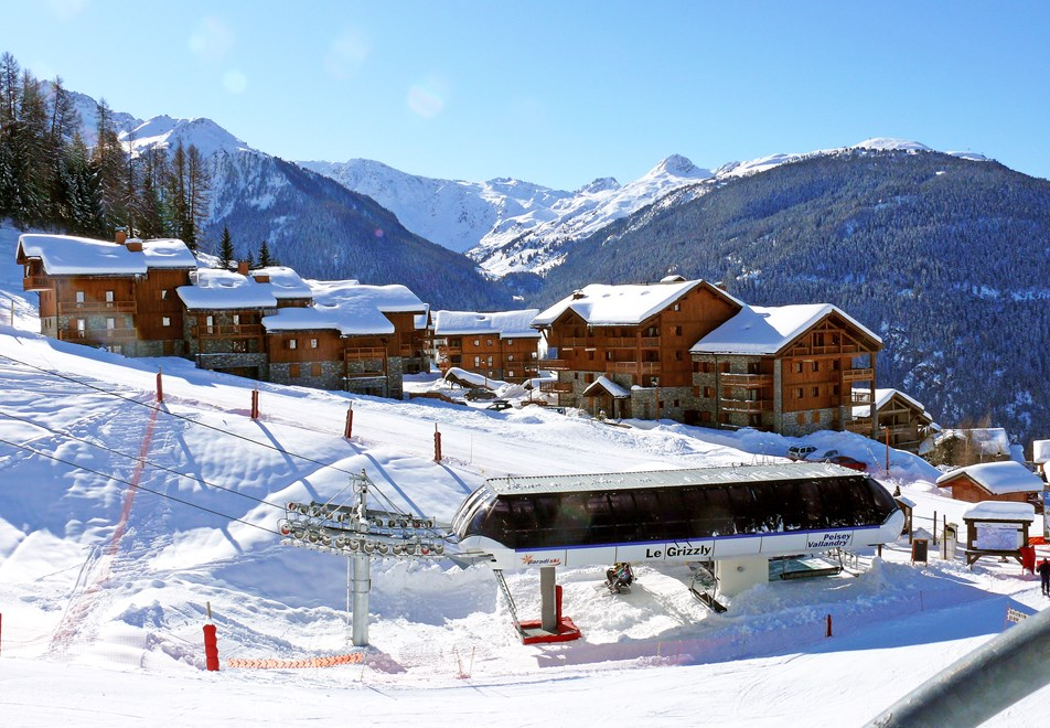 Christmas Village Ski Lift For Sale.Peisey Vallandry Skiing Holidays Ski Apartments Peak