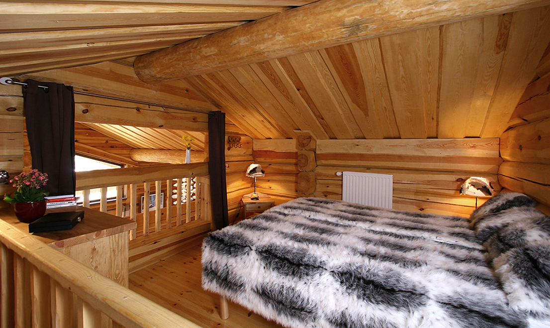 Alpen (Les 2 Alpes) Mezzanine with Double Bed