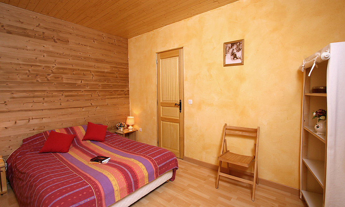 Chalet Jon, Les Deux Alpes (self catered chalet) - Double bedroom