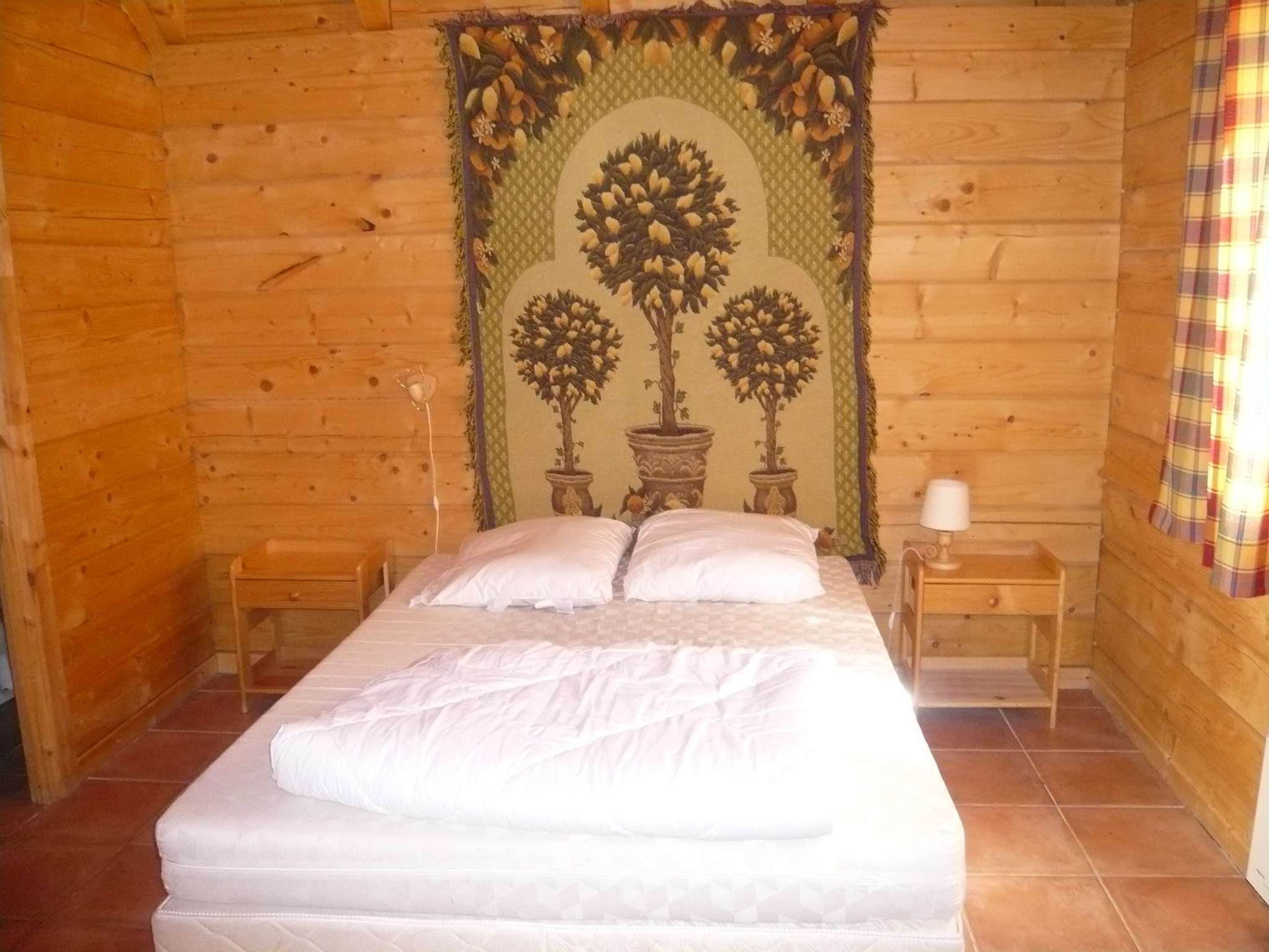 Le Planet I & II, Venosc (self catered chalets) - Double bedroom