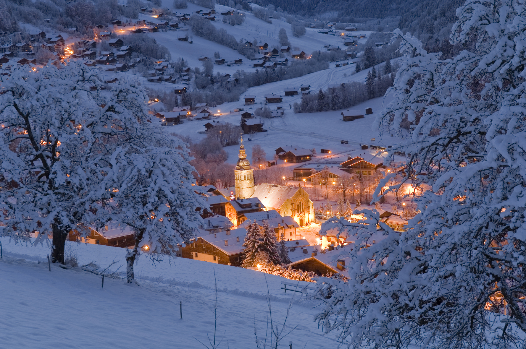 Le Grand Bornand Skiing Holidays Ski Apartments Peak Retreats