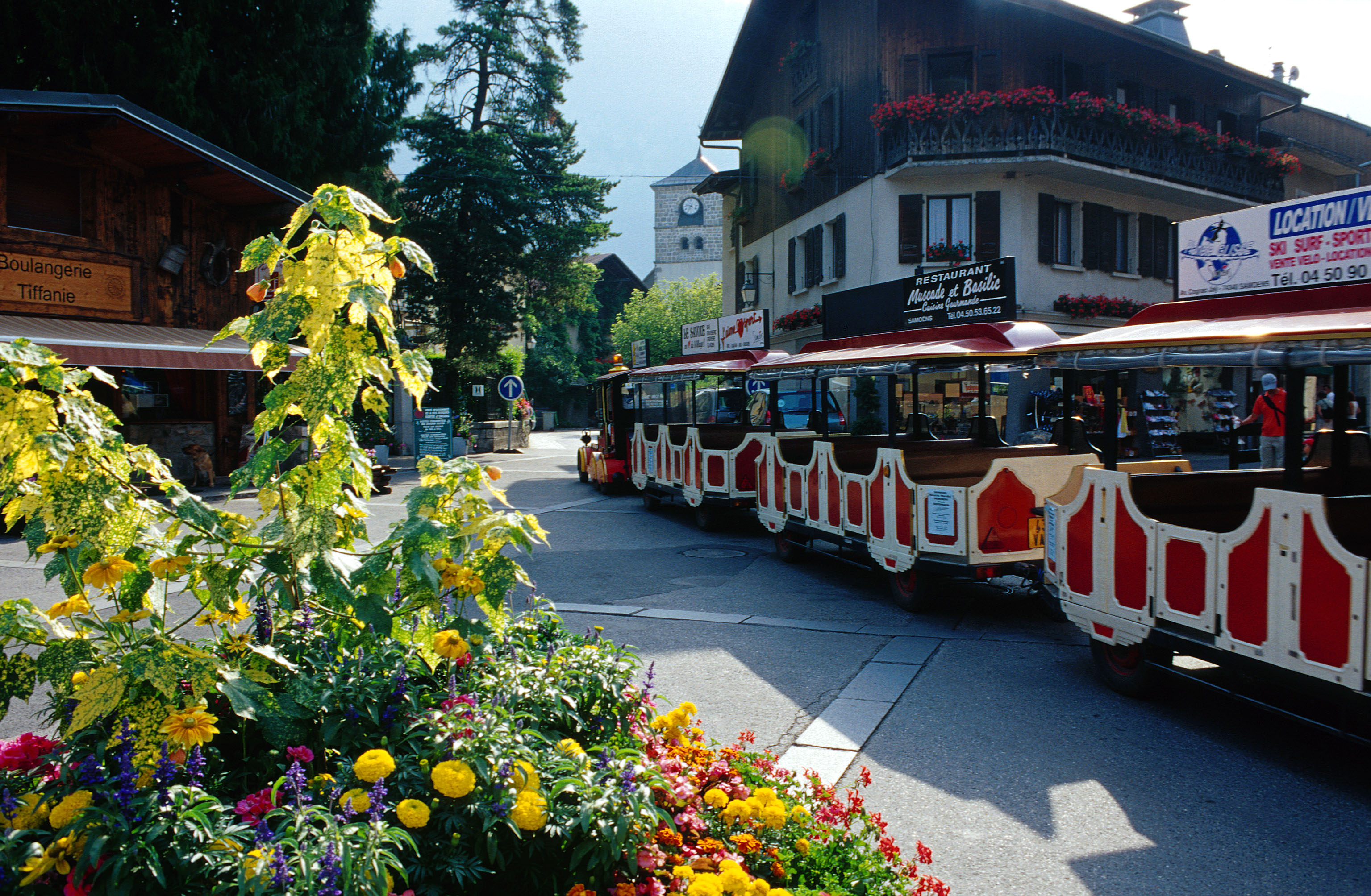Samoens train