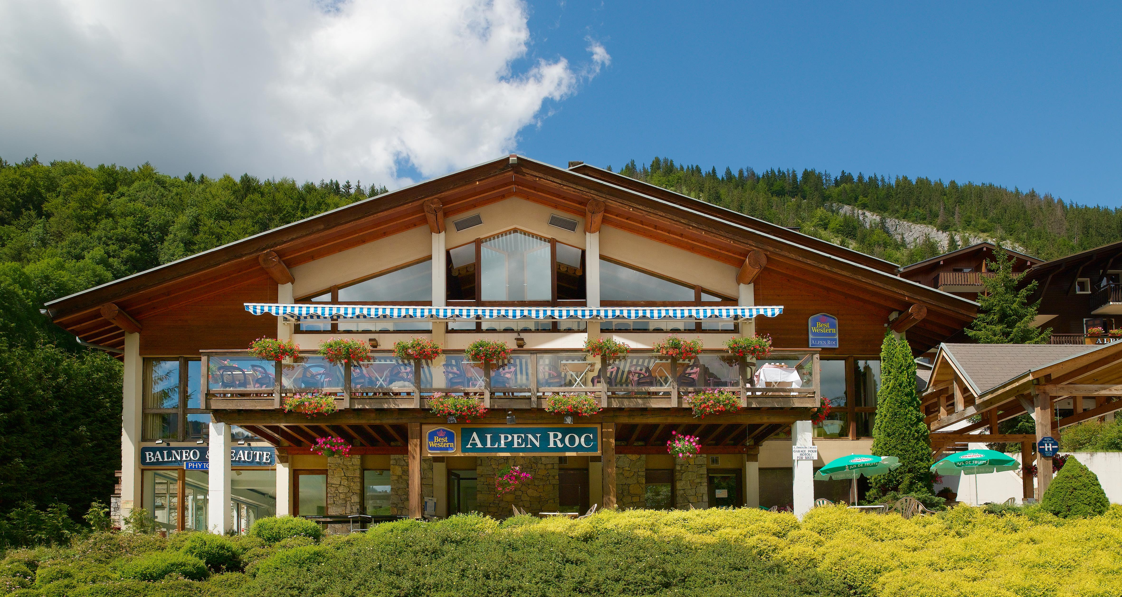 hotel alpen roc la clusaz france peak retreats. Black Bedroom Furniture Sets. Home Design Ideas