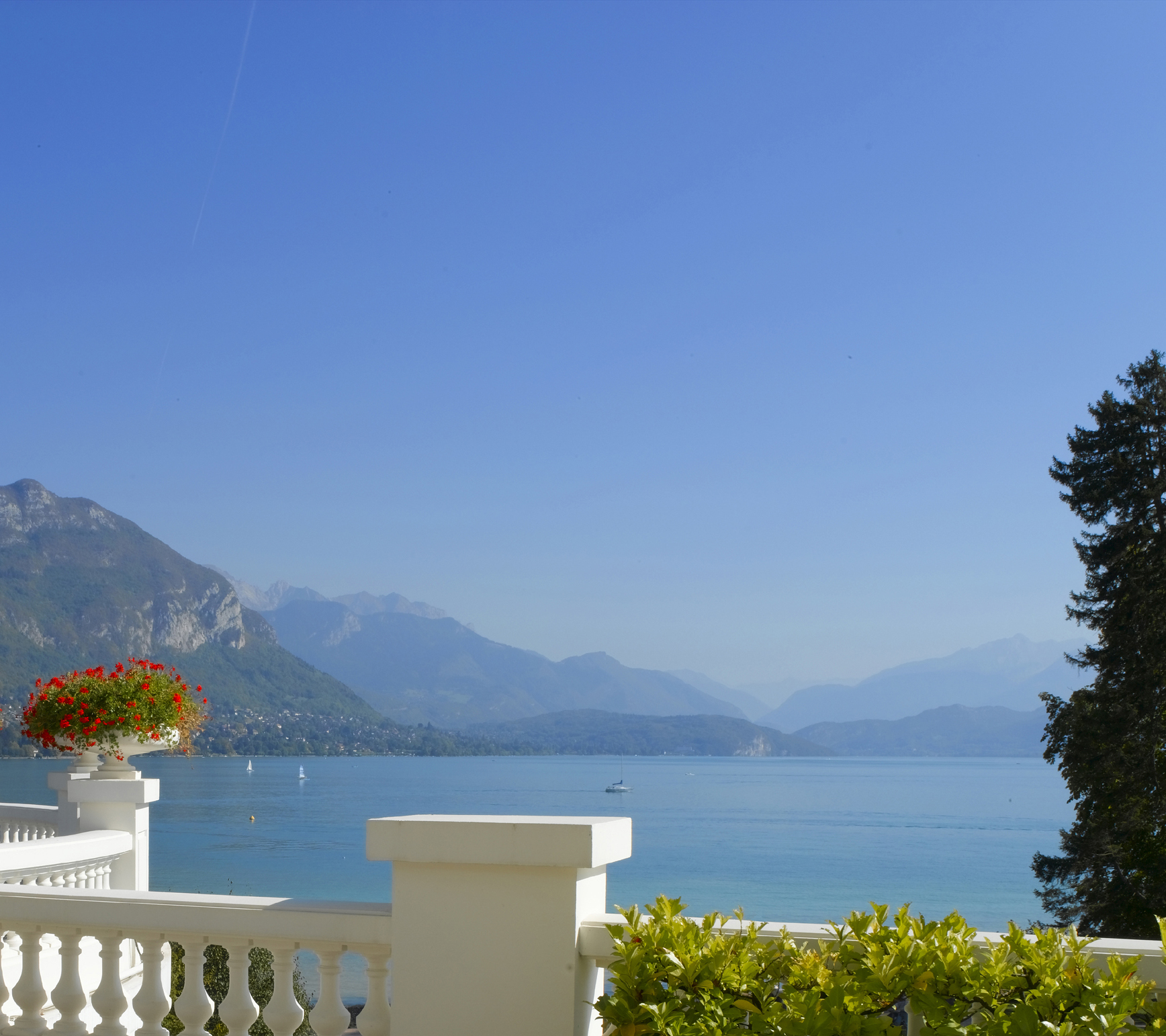 Imperial Palace, Annecy (B&B hotel) - Lake View © (Studio Bergoend)