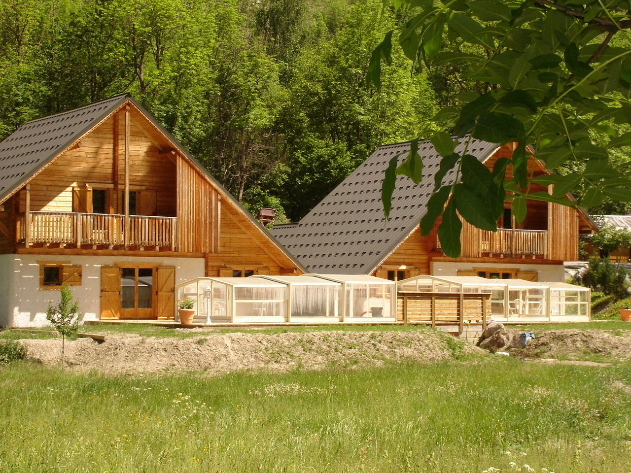 Le Planet I & II, Venosc (self catered chalets) - Chalets side by side