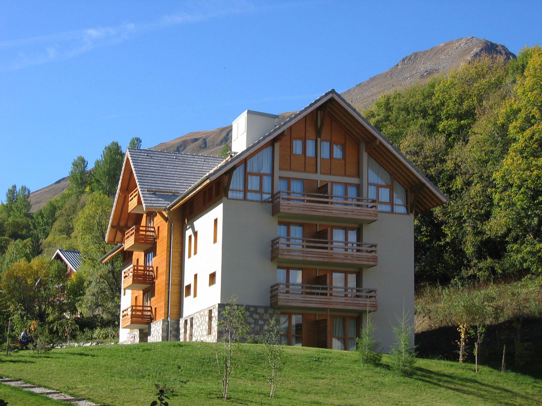 chalets du galibier valloire summer holidays peak retreats