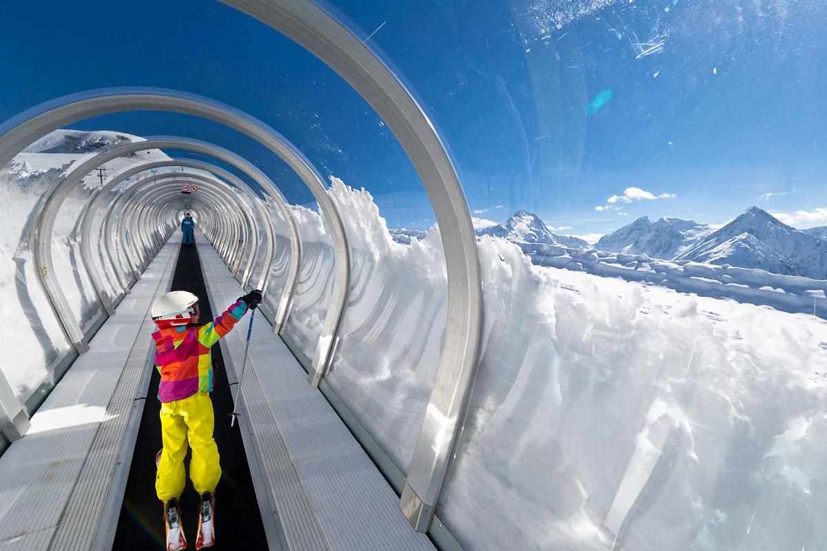 Les deux alpes skiing holidays ski apartments peak for Piscine les deux alpes