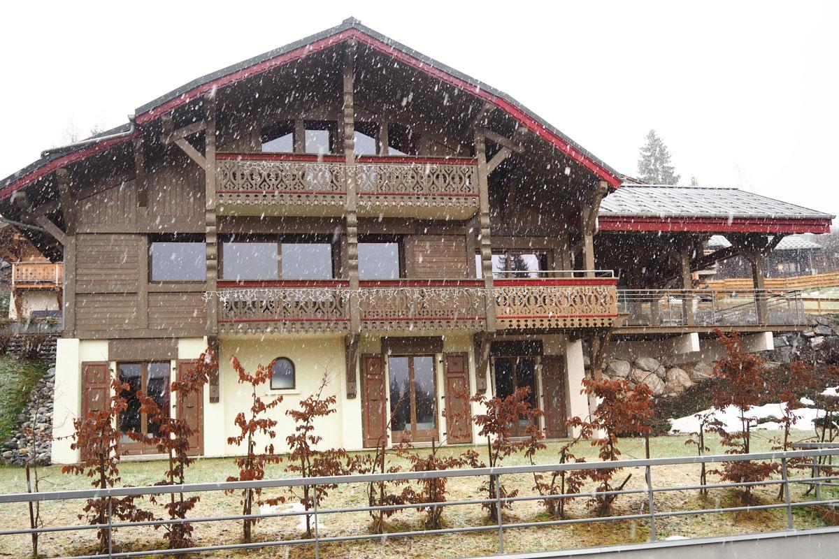 chalet delphine les gets ski accommodation peak retreats