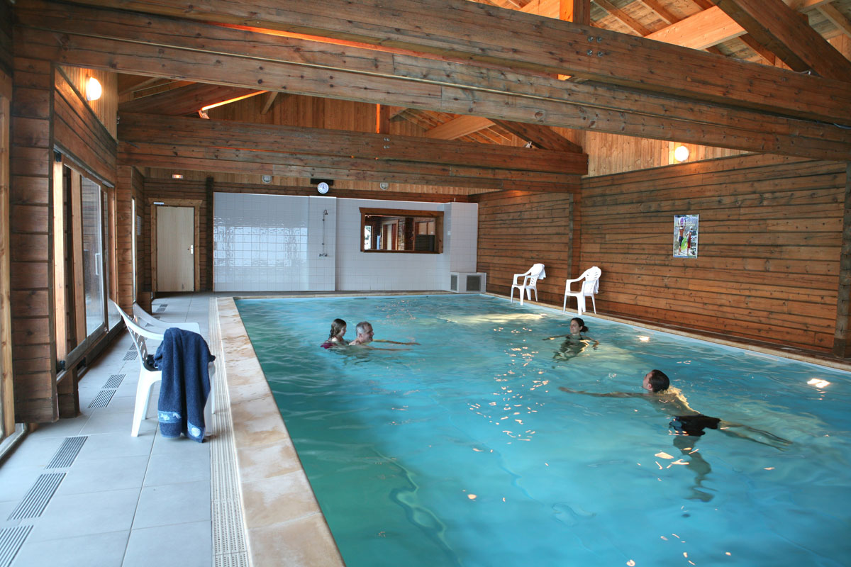 chalets bois champelle morillon ski accommodation peak retreat. Black Bedroom Furniture Sets. Home Design Ideas