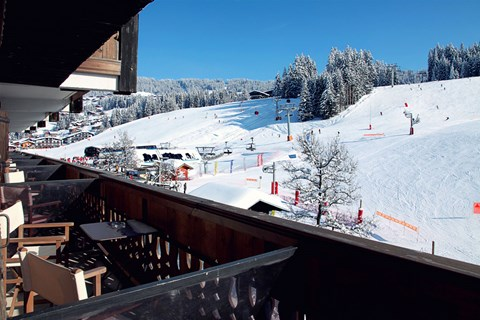 Hotel La Marmotte, Les Gets (hotel) - Right on the slopes