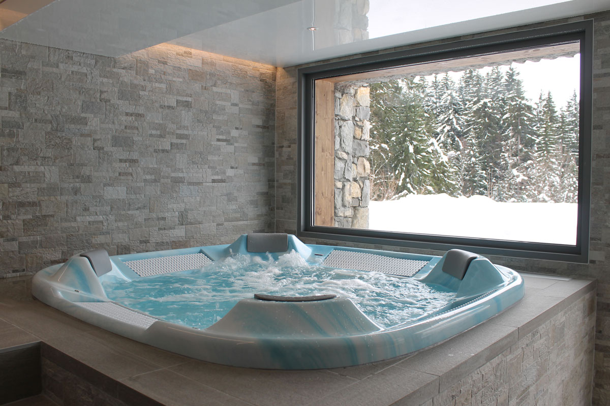 Delphine Apartments, Les Gets (self catered chalet) - Spa Jacuzzi