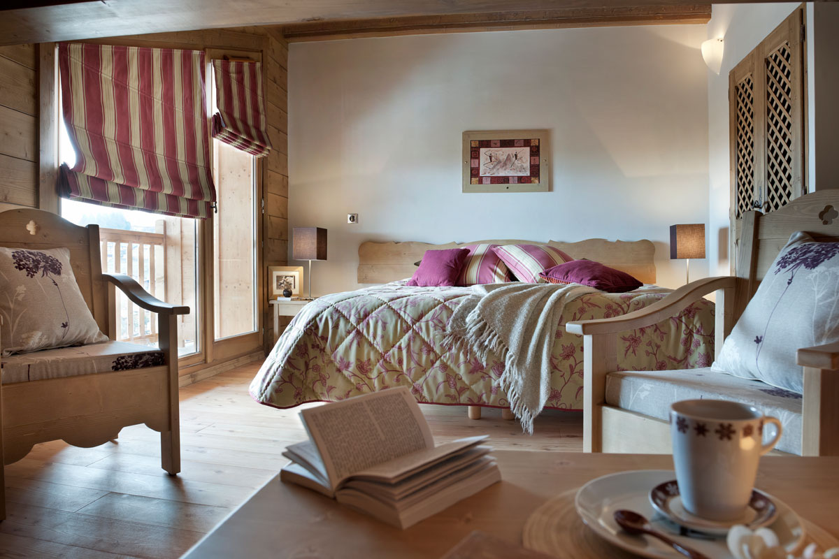 Les Chalets du Jouvence, Les Carroz (self catered apartments) - Double Bedroom
