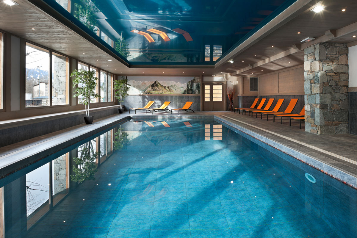 Le Coeur d'Or, Bourg St Maurice (self catered apartments) - Indoor Pool