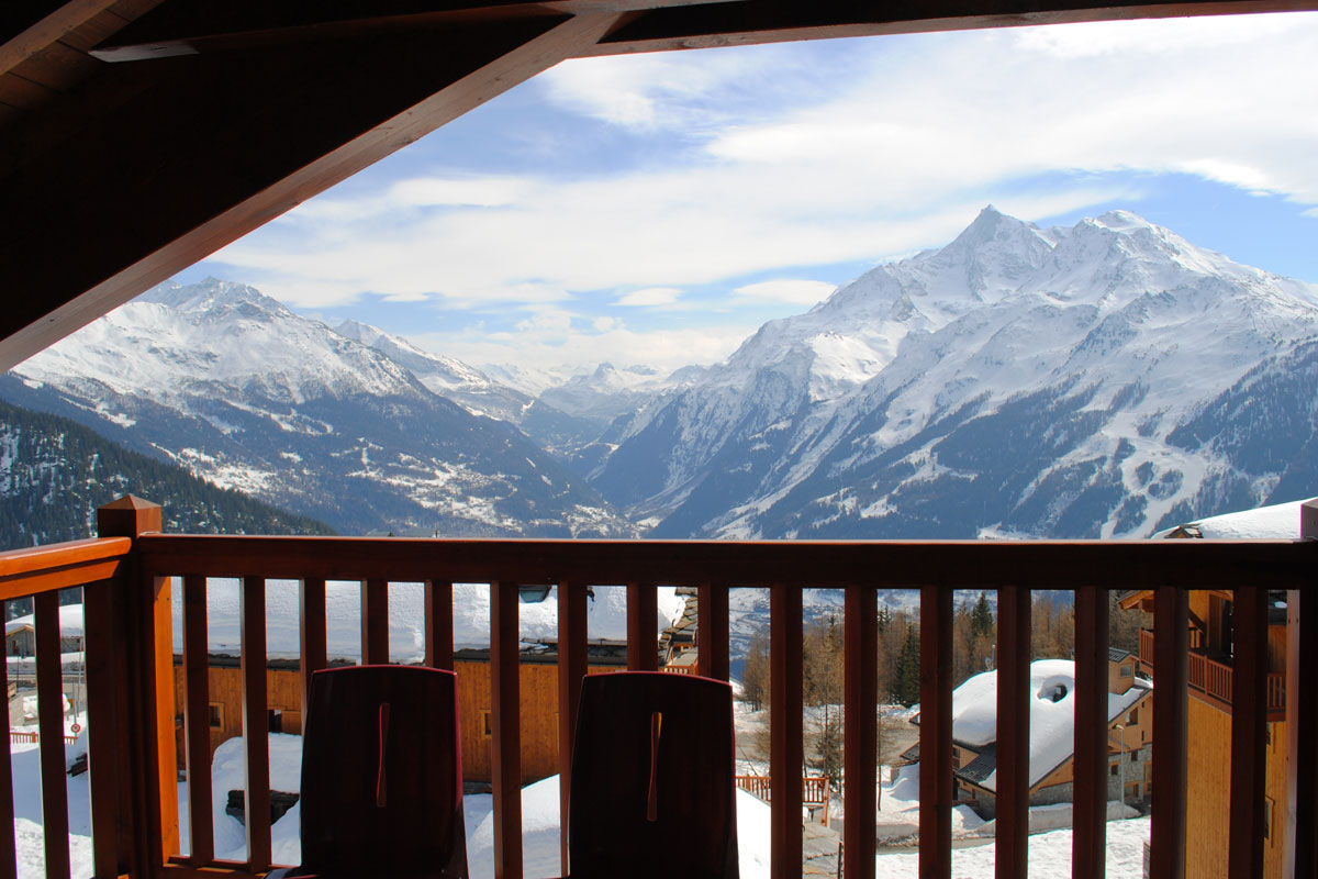Les Cimes Blanches, La Rosiere (self catered apartments) - Stunning Balcony Views
