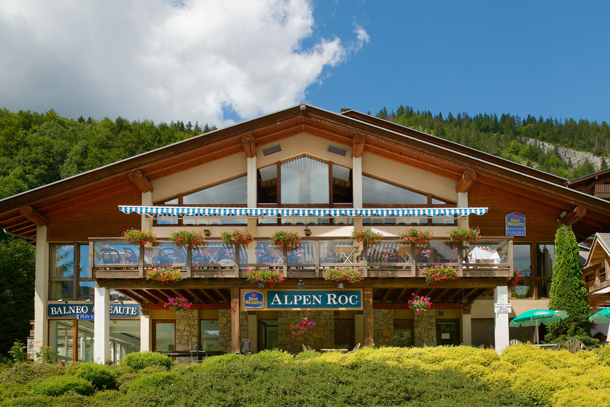 Alpen Roc (La Clusaz) Excellent location in village centre