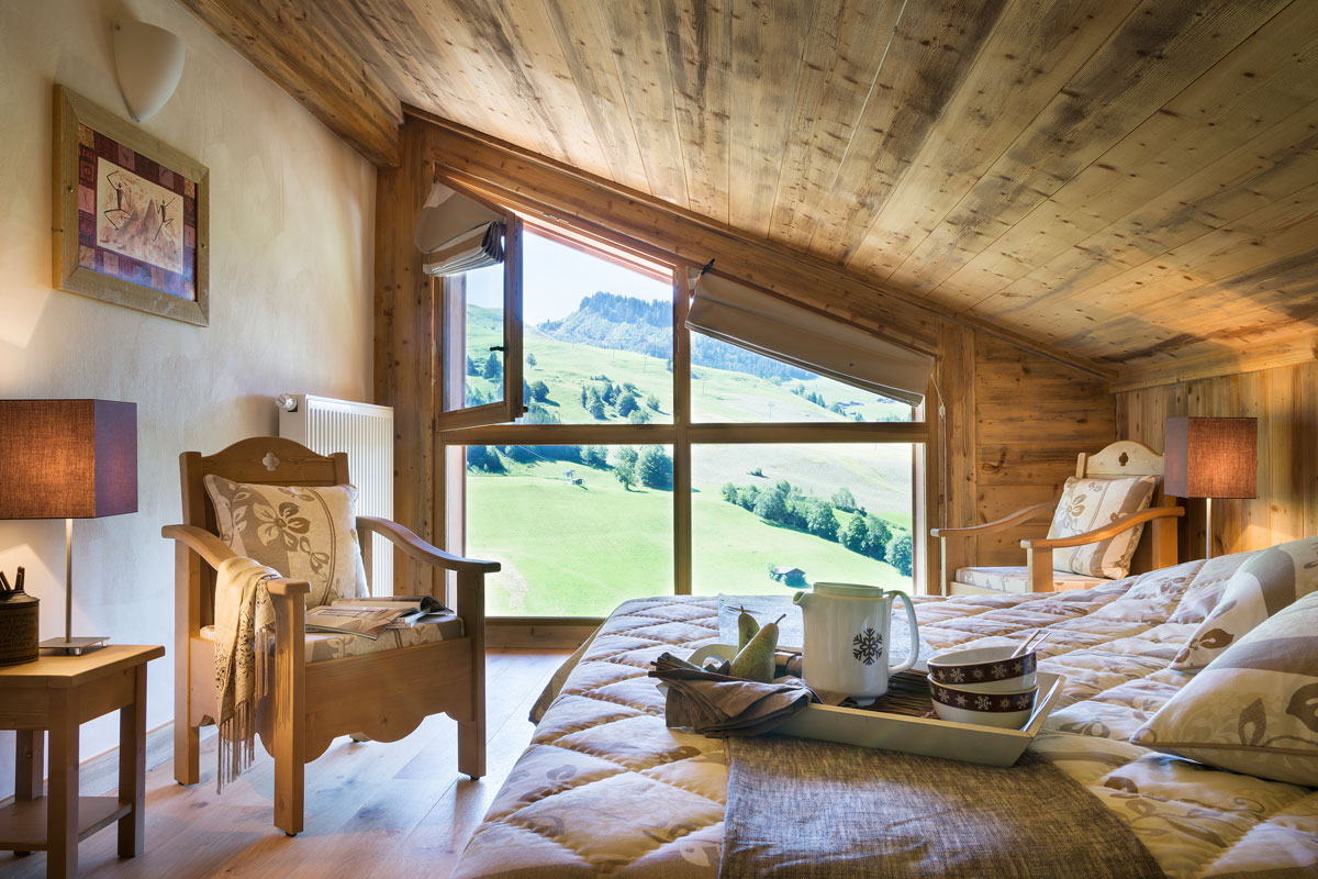Le Village de Lessy, Le Grand Bornand (self catered apartments) - Double Bedroom