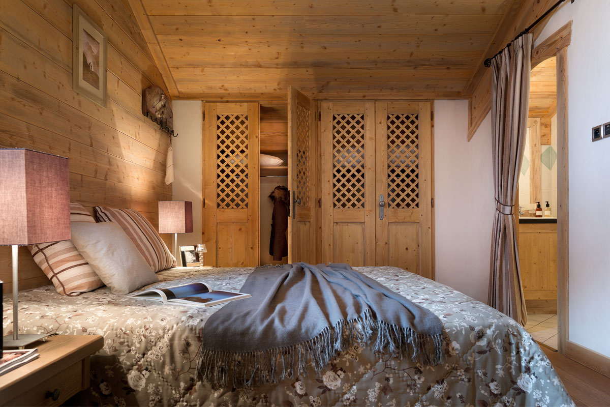 Le Village de Lessy, Le Grand Bornand (self catered apartments) - Double En-suite Bedroom
