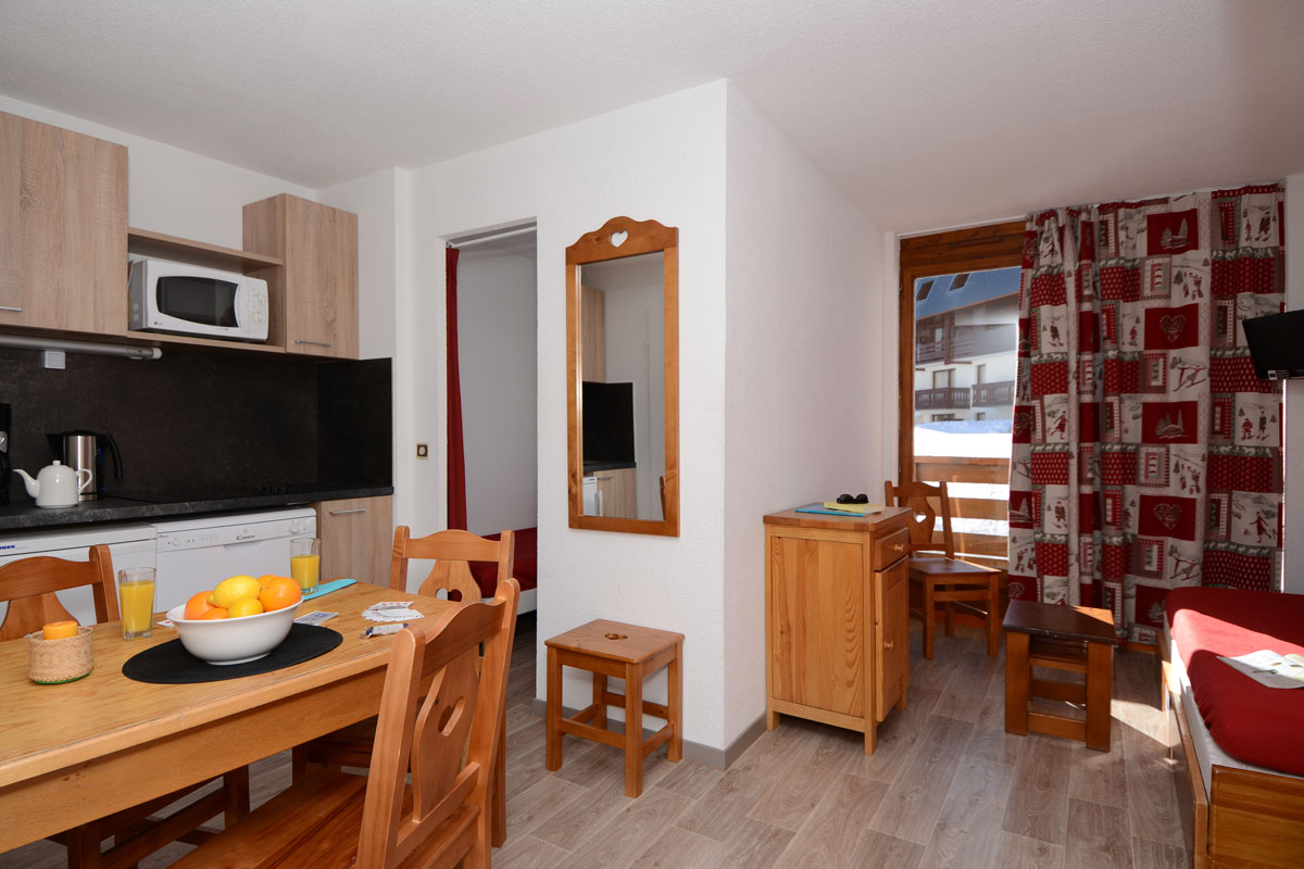 Ours Blanc (Les 2 Alpes) interior (2)