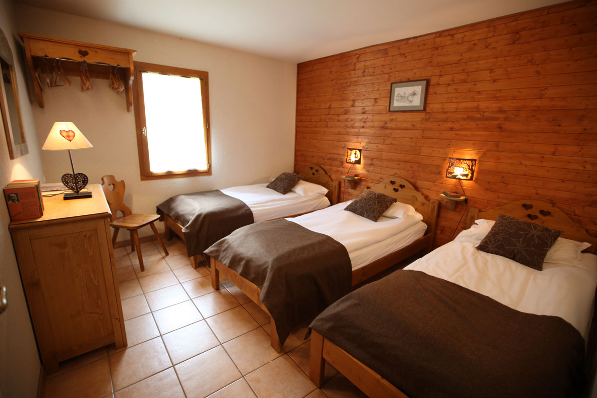 Chalet Le Planet (Valloire) Triple Room