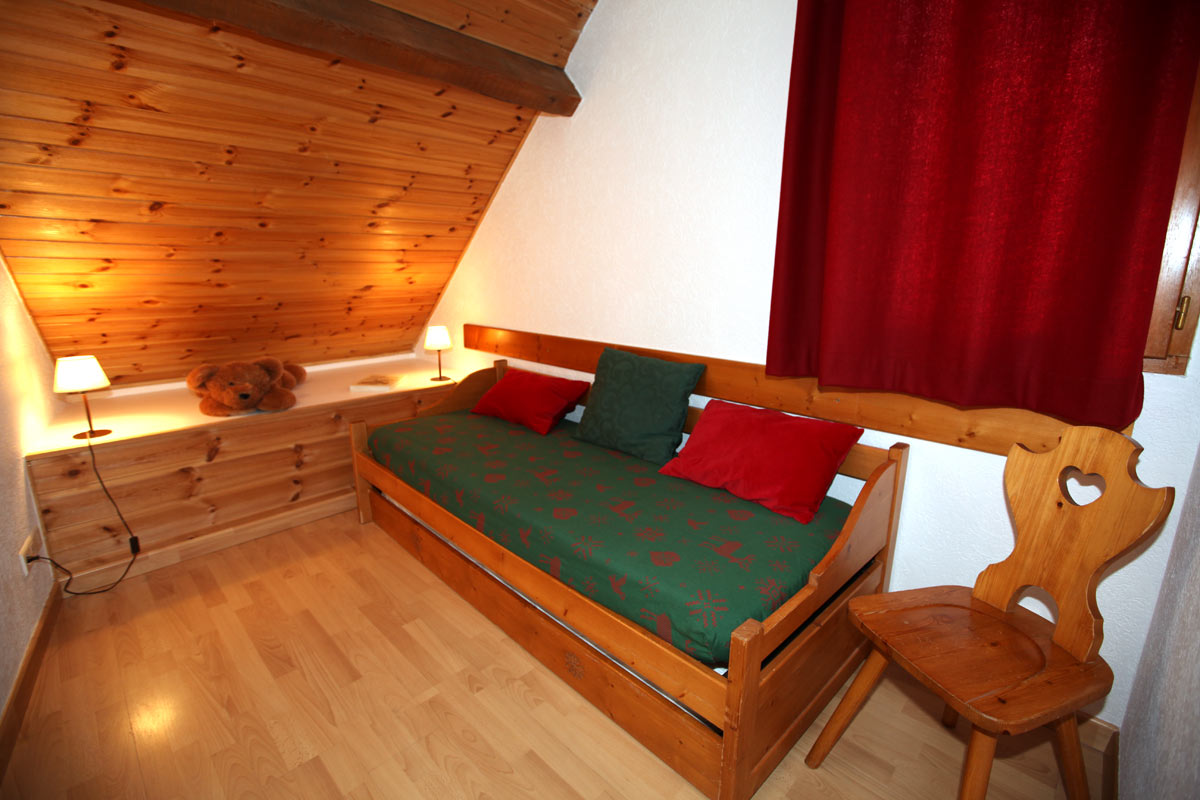 Le Plane 1 (Valloire) Single Bed & Pull Out Bed