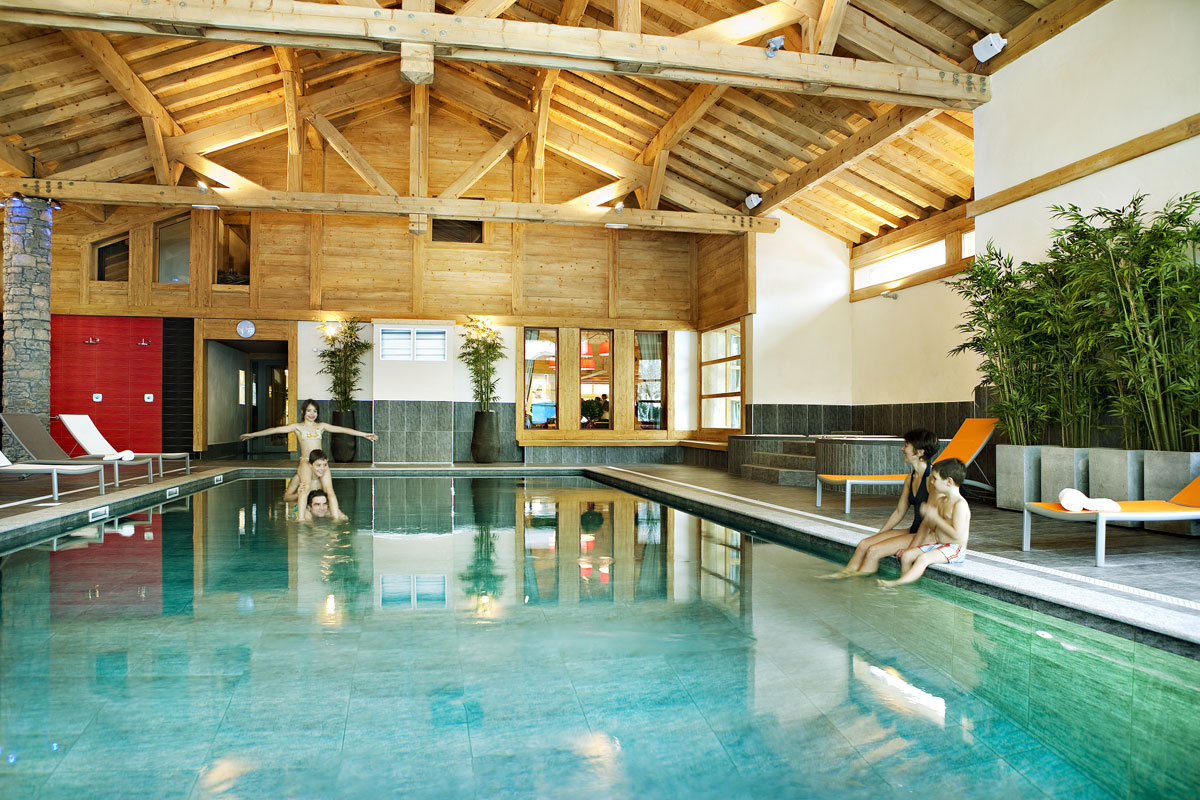 La Reine des Pres, Samoens (self catered apartments) - Indoor Pool