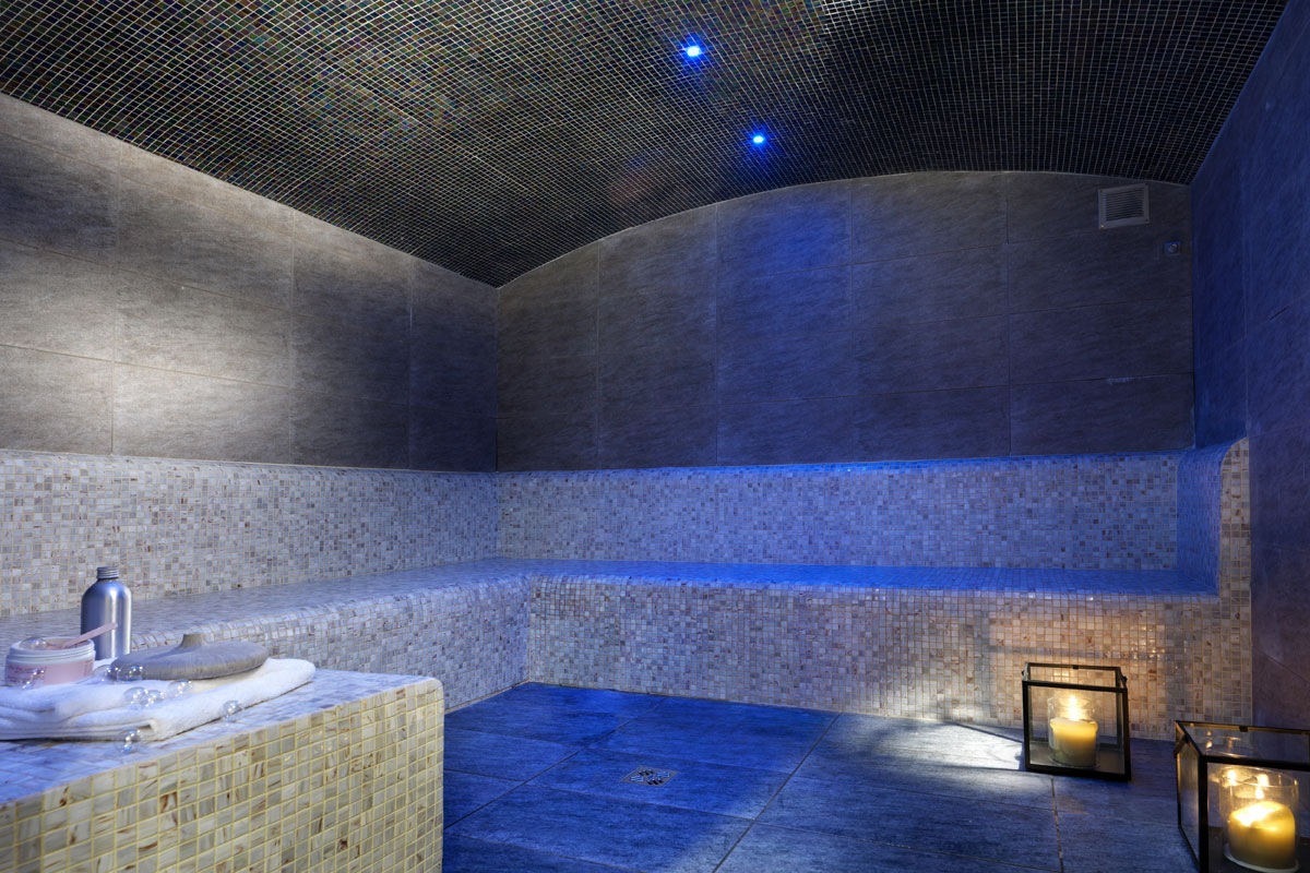 La Reine des Pres, Samoens (self catered apartments) - Steam Room