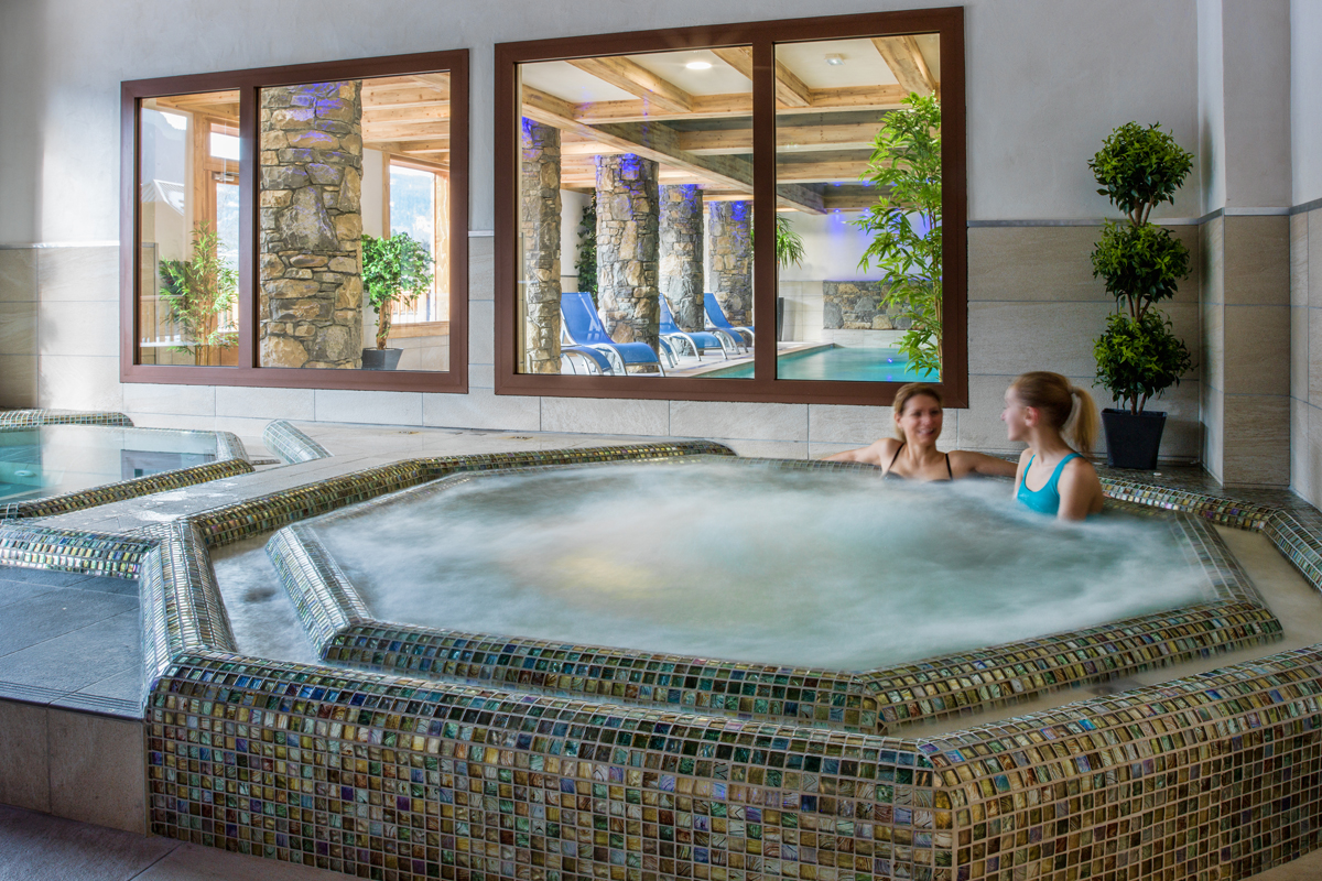 Les Chalets de Layssia, Samoens (self catered apartments) - Jacuzzis