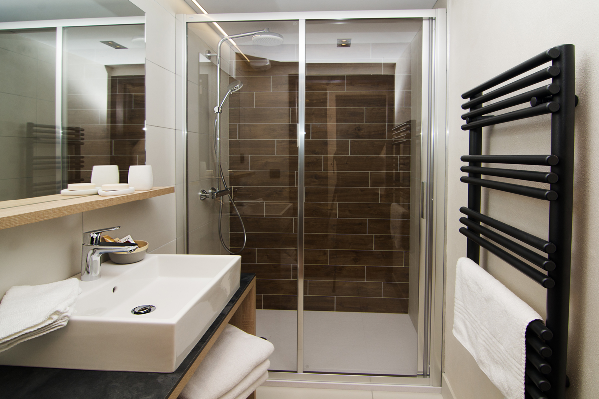 Les Armaillis (self catered apartments), Les Saisies - Shower room