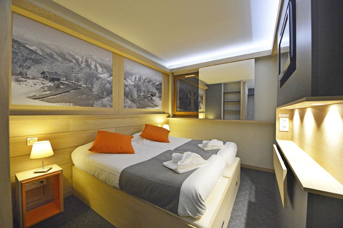 Club Hotel, Tignes les Brevieres (Espace Killy) - Twin Bedroom