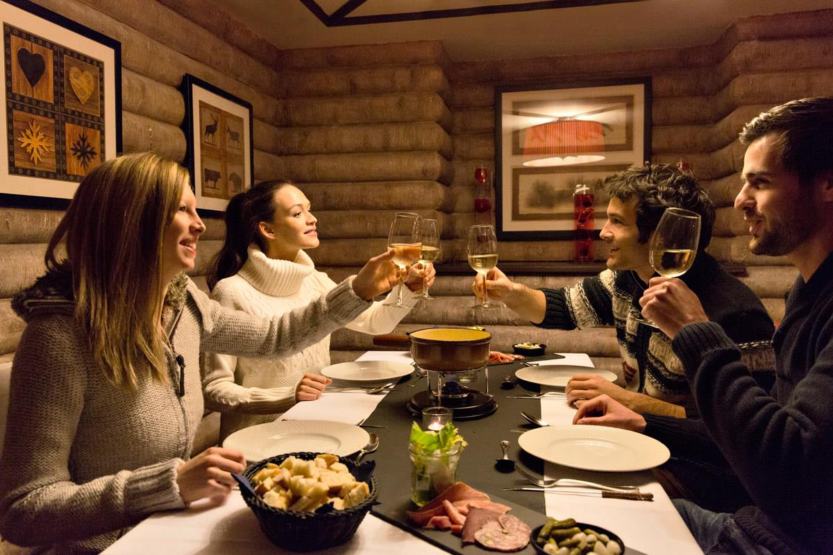 Club med chamonix mont blanc ski hotel peak retreats for Chambre 9 chamonix