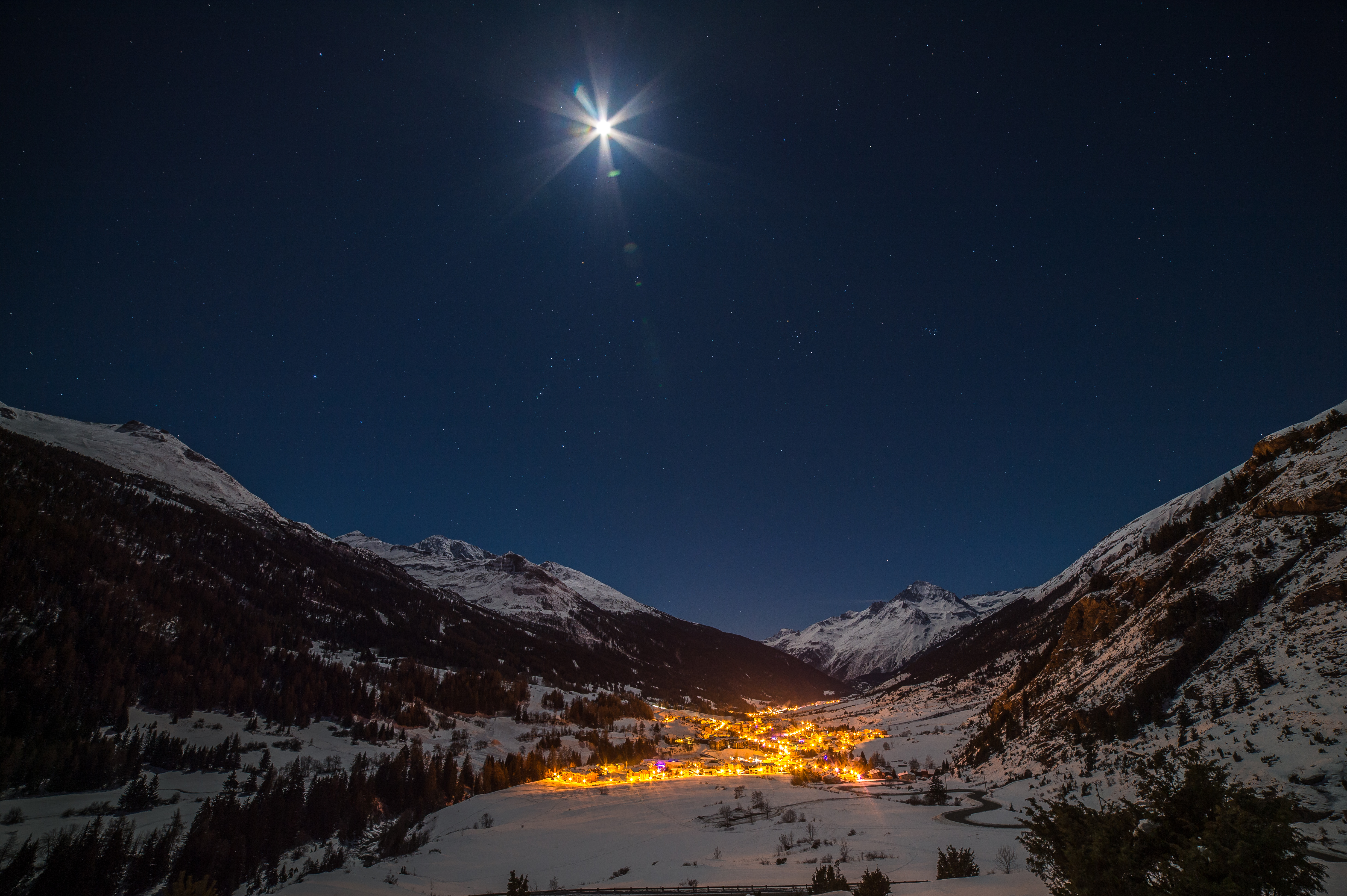 Val Cenis at night