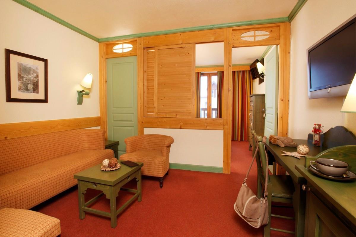 Club med serre chevalier ski hotel peak retreats - Hotel de luxe serre chevalier ...