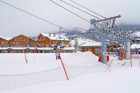Le Criterium, Val Cenis (self catered apartments) - Right by the lift