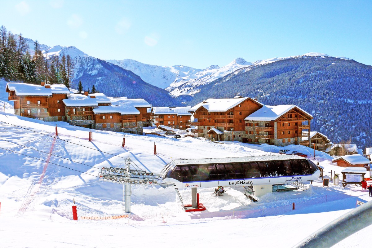 Oree des Cimes, Peisey Vallandry (self catered apartments) - Right by chairlift