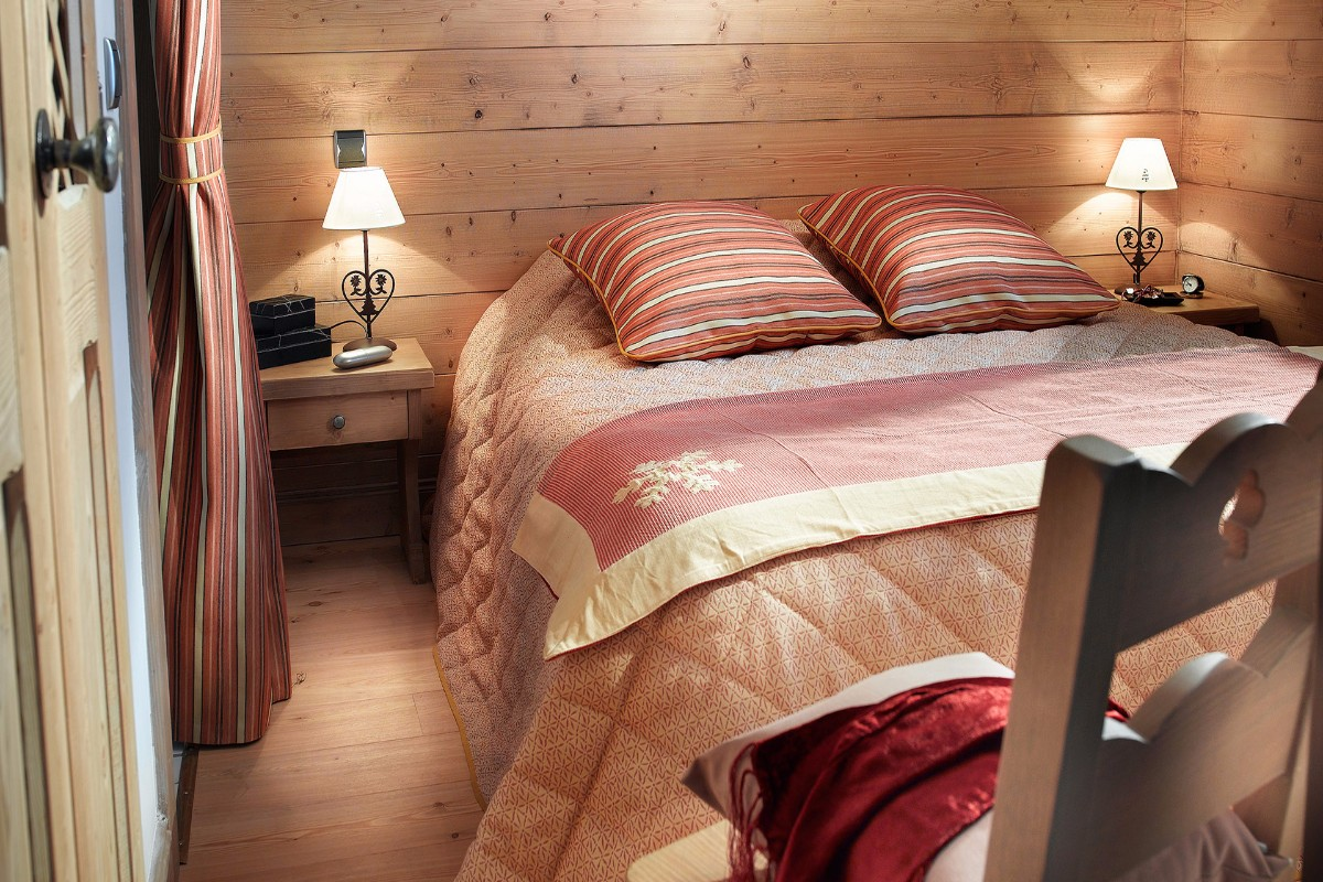 Hameau du Beaufortain, Les Saisies (self catered apartments) - Double Bedroom