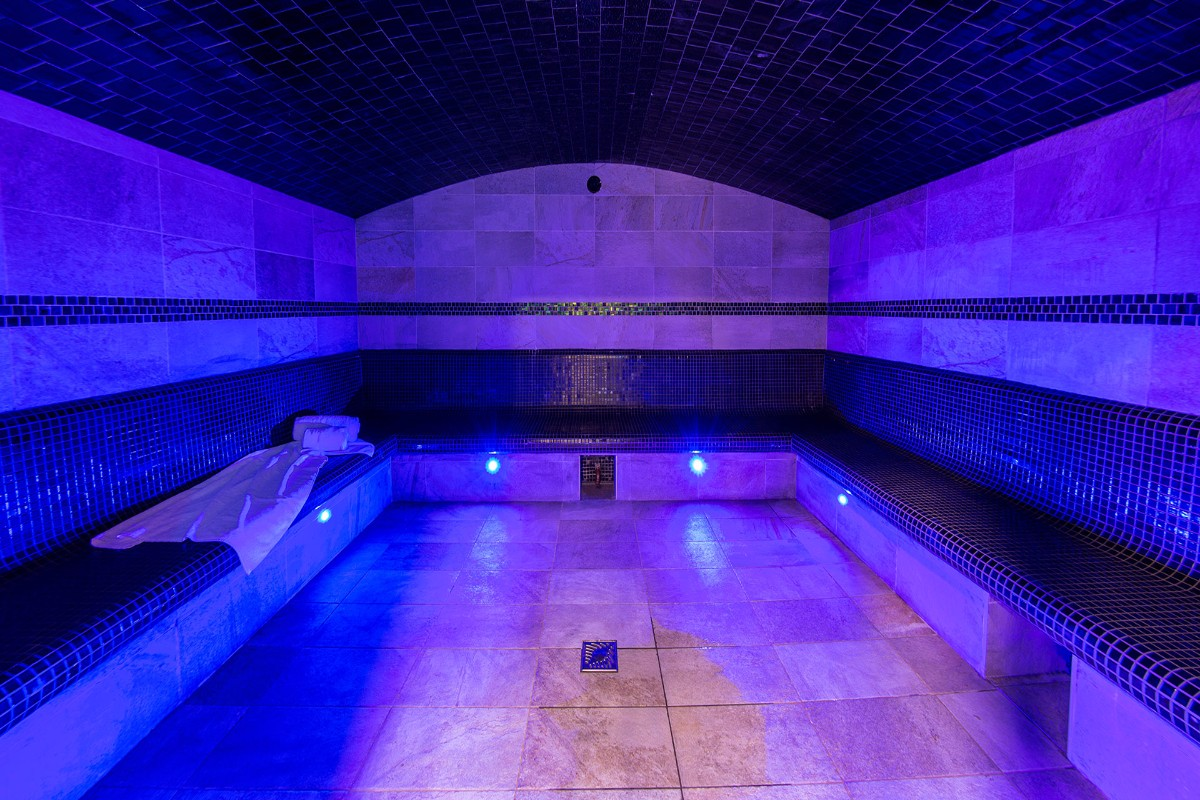 Le Napoleon, Montgenevre (self catered apartments) - Steam Room