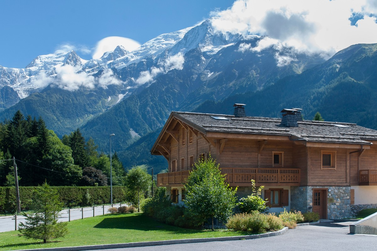 Le Hameau de Pierre Blanche, Les Houches (self catered apartments) - Stunning Views